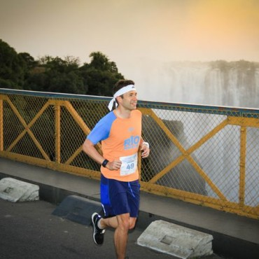 20150709010024_small_VF_Marathon_bridge_2015154